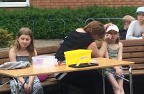 Jennie Johansson ansiktsmålade barnen